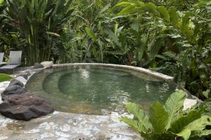 4 different natural hot springs
